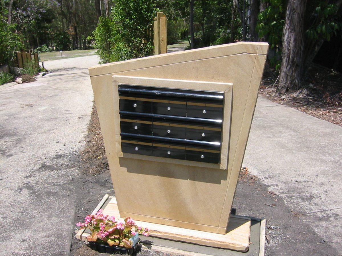 unit mkailbox in sandstone